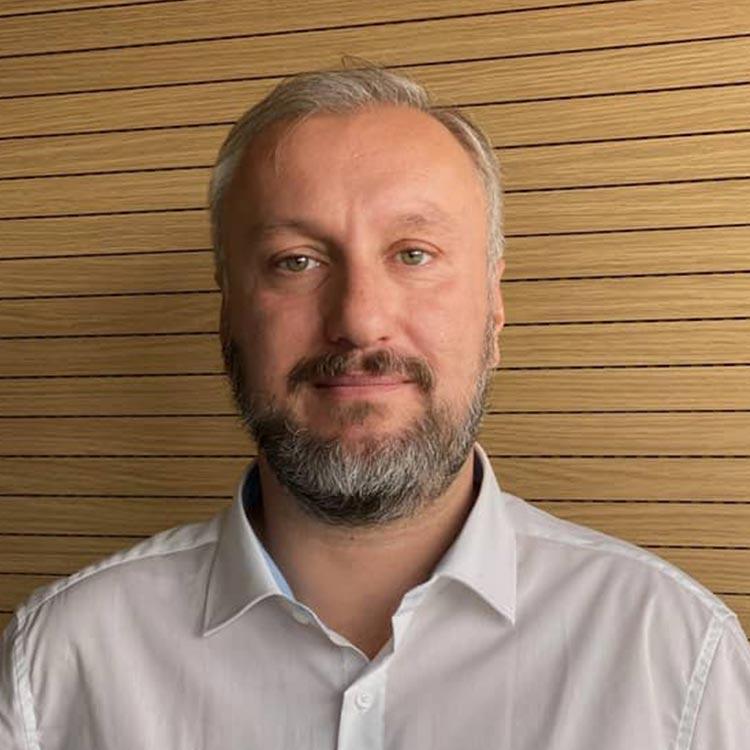 András Ladányi